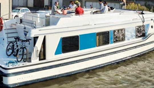 Charter 49' Vision 2 Motor Yacht In Camargue, France