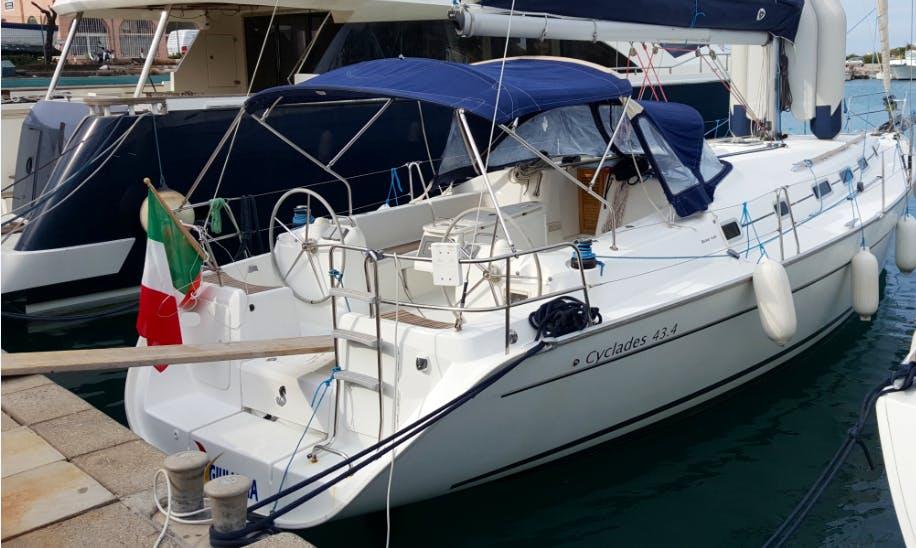 Charter 43' Cyclades - Giuliana Cruising Monohull in Capo d'Orlando, Italy