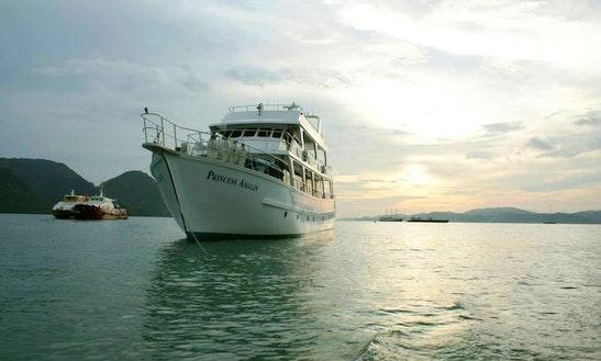 Charter 96' Princess Amalin Power Mega Yacht In Petaling Jaya, Malaysia