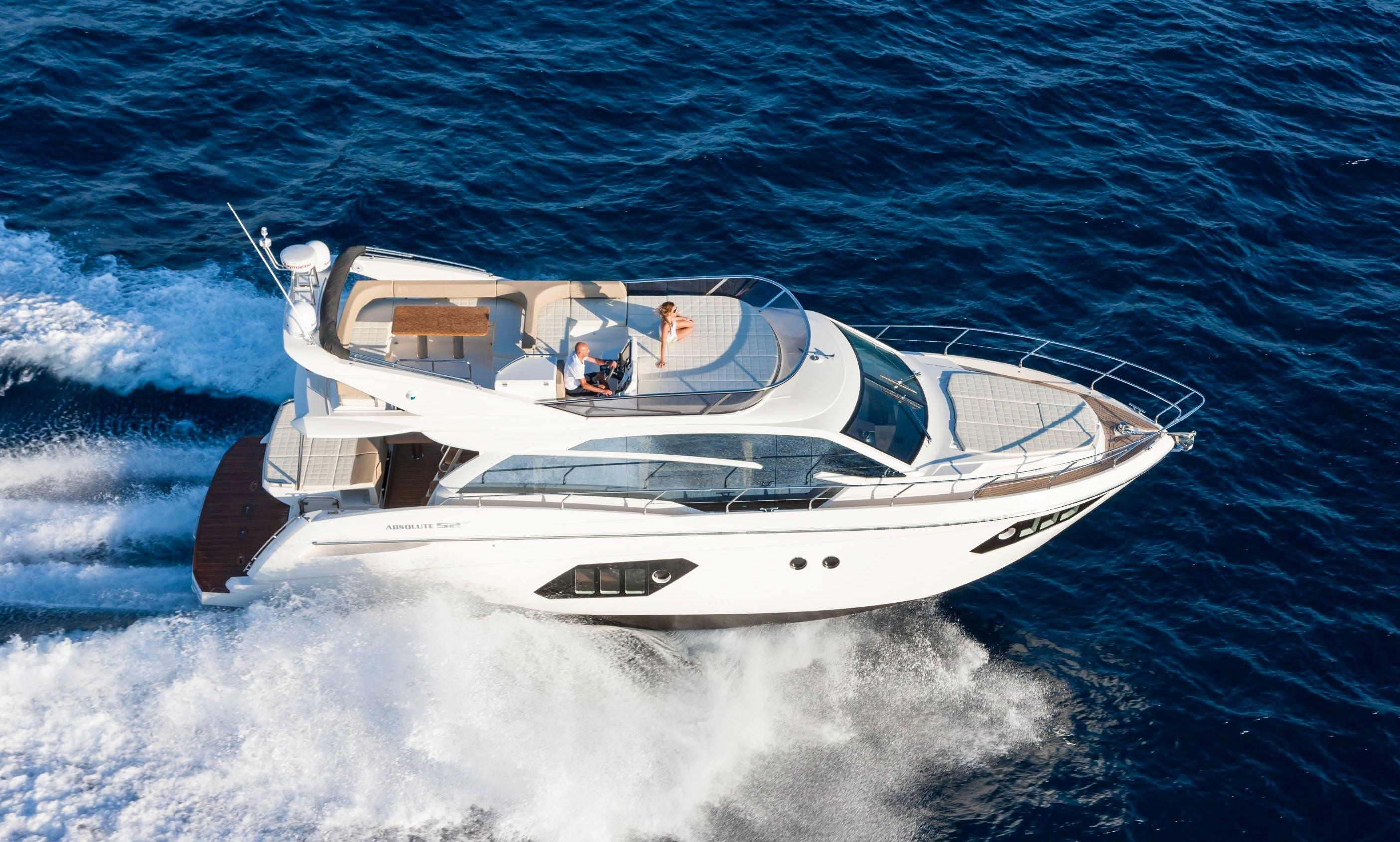 Luxury & brand new yacht of 16 meters