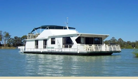 Houseboat 12 Berth In Paringa, Australia