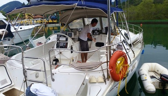 Hunter Legend 40 Cruising Monohull Rental In Angra Dos Reis