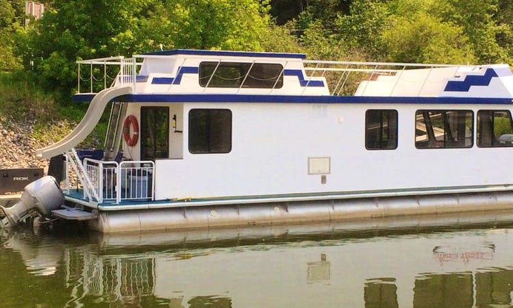 Family Vacation in Saskatchewan, Canada on a Houseboat