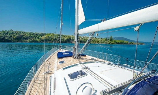 Beneteau Oceanis Clipper 523 Rental