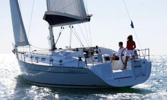 Charter 43' Beneteau Cyclades Cruising Monohull In Għajnsielem, Malta