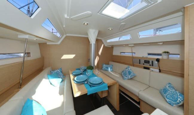 Charter 40' Small More Cruising Monohull in Palermo, Italy