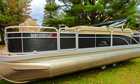 22' Deluxe Pontoon Rental In North Cass