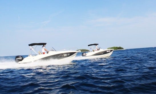 Rent 555 Open Center Console In Vrsar, Croatia