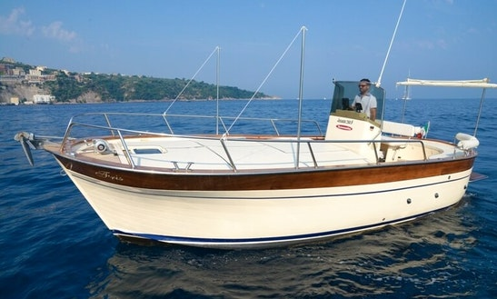 25' Tecnonautica Jeranto Motor Yacht Rental In Sorrento, Italy