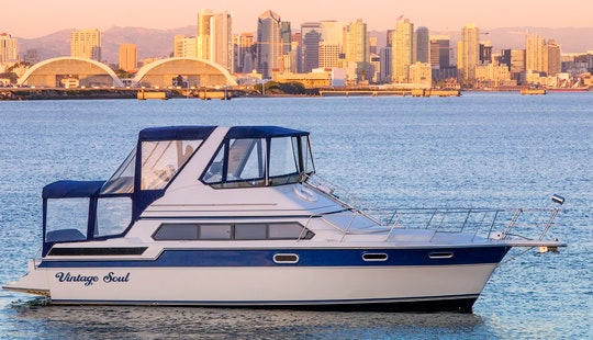 Vintage Soul 44' M/y Rental In San Diego. Up To 12 Passengers