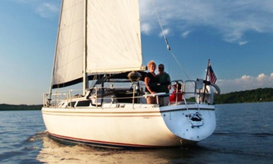 Cruising Monohull Rental In Kingston