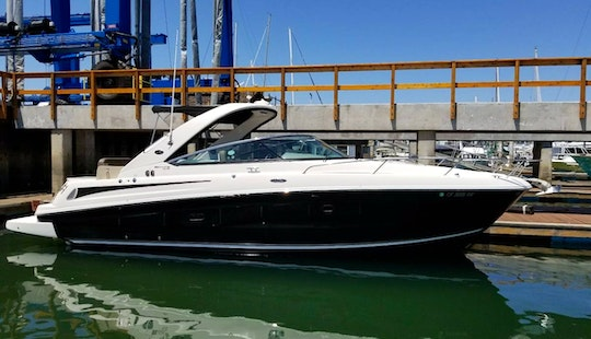 Experience This Stylish Motor Yacht In San Diego, California!