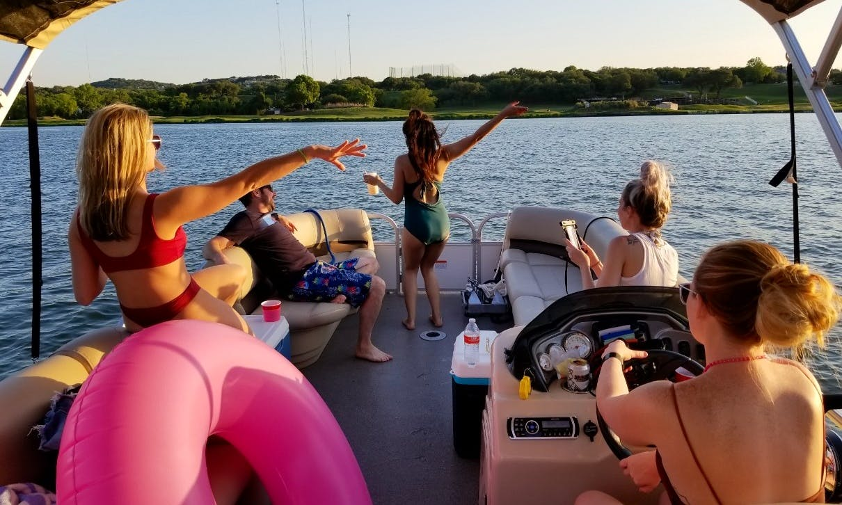 24 foot party barge- Lake ATX or Travis!