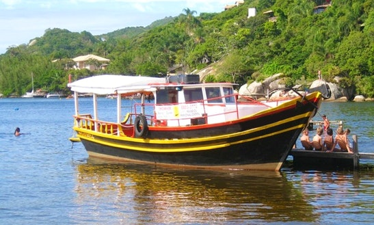 Spacious 24 People Motor Boat For Rent Santa Catarina, Brazil
