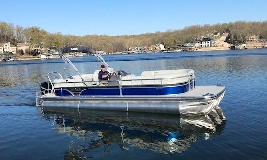 27' Lowe Pontoon Boat For Rent In Lake Ozark, Missouri