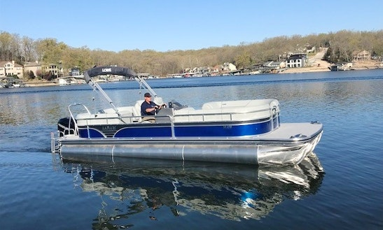 27' Lowe Pontoon Boat For Rent In Lake Ozark, Missouri