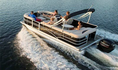 22' Sylvan Mirage Pontoon - 10 People Capacity on Kampoos Lake, BC