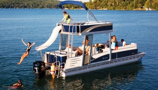 18-seater Avalon Funseeker Double Decker On Kampoos Lake, Bc