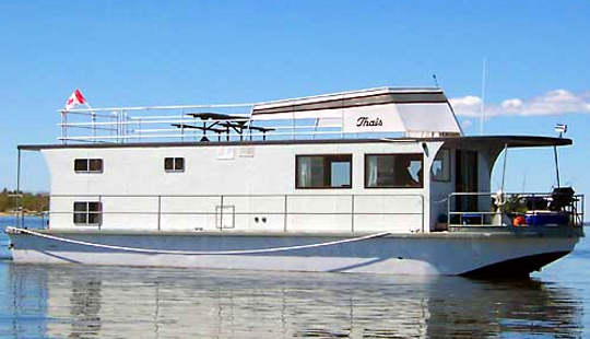 53' Houseboat Rental In Lake Of The Woods, Canada