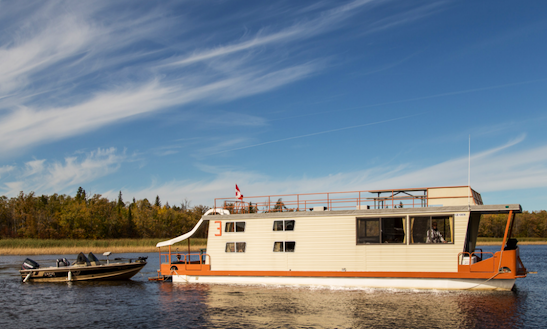 49' Houseboat Rental In Lake Of The Woods, Canada