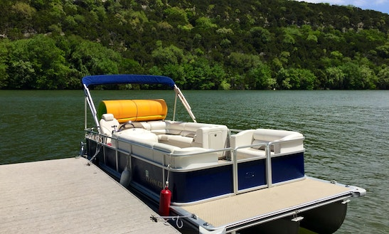 Lake Austin Boat Rentals - Bachelorette And Bachelor Party, Parties And More!