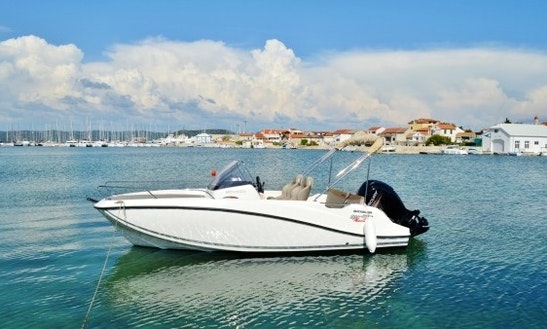 Charter 20' Quicksilver Activ 605 Sundeck Cuddy Cabin In Betina, Croatia