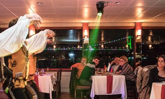 Book An Amazing Dinner Cruise In İstanbul, Turkey