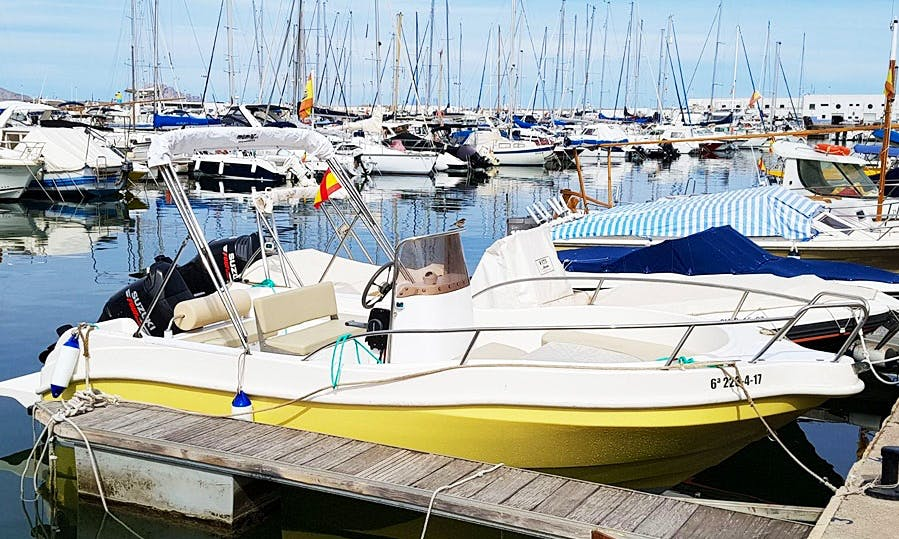 Rent Funboat III Center Console in Valenciana, Spain