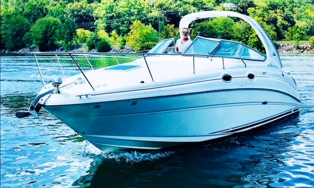 Yacht Rental in Music City!