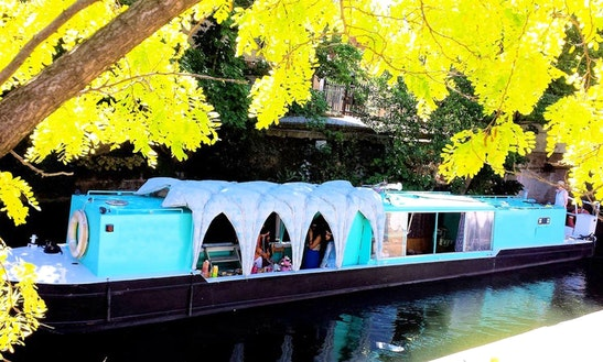 Green Canal Boat Trips In New River, London United Kingdom