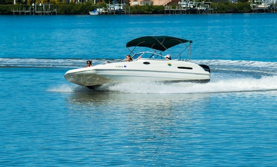 12 Seater Deck Boat In Bonita Springs, Florida