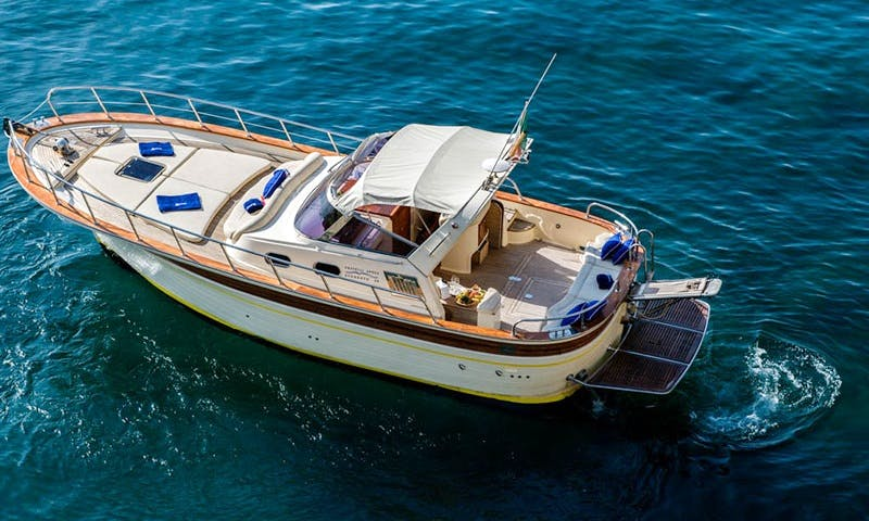 Charter 32' O Sole Mio Motor Yacht in Positano