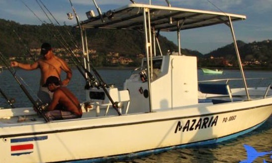 28' Custom Nasaria Center Console Fishing Charter In Jacó, Costa Rica