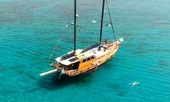 Motor Yacht Rental In Agios Ioannis Diakoftis
