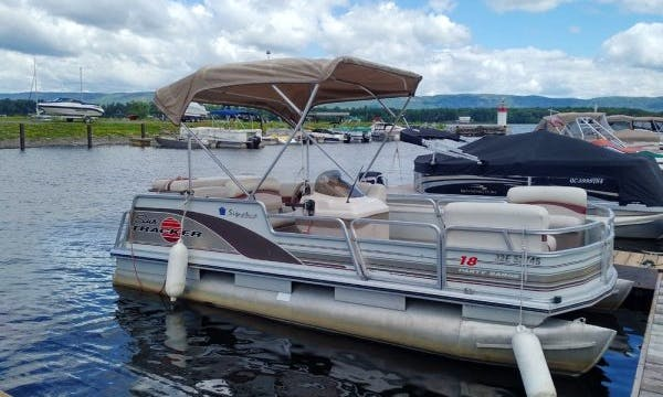 Explore the Ottawa River on 18' Sun Tracker Pontoon Boat in Dunrobin, Ontario