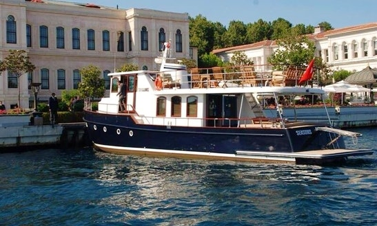 Stylish King Motor Yacht Available For Charter In İstanbul, Turkey