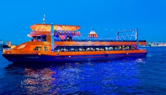 Enjoy Amazing Dinner Cruise In İstanbul, Turkey