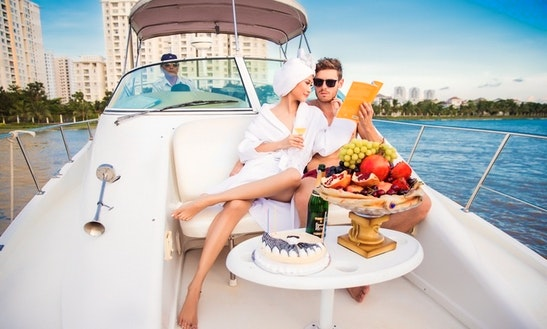 Luxurry Yacht 18 Seats