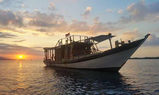 69 Ft Gypsy Rose Traditional Boat Charter In Nusapenida, Bali