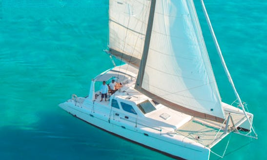 35 Persons 44' Cruising Catamaran In Cancún, Mexico For Charter