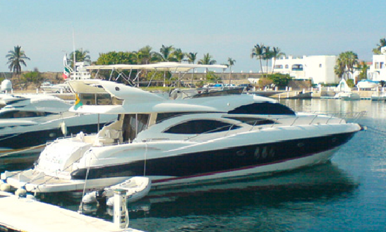 Explore Cancún, Mexico On 74' Manhattan Power Mega Yacht For 20 Person