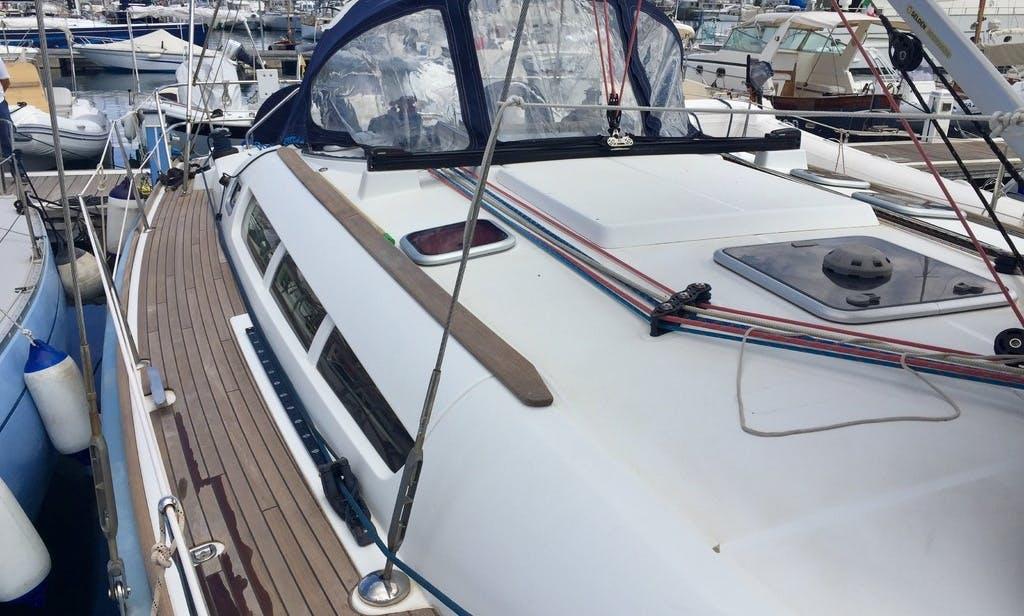 Charter the yacht of your dreams 42' Jeanneau Sun Odyssey Cruising Monohull in Palamós Catalunyan