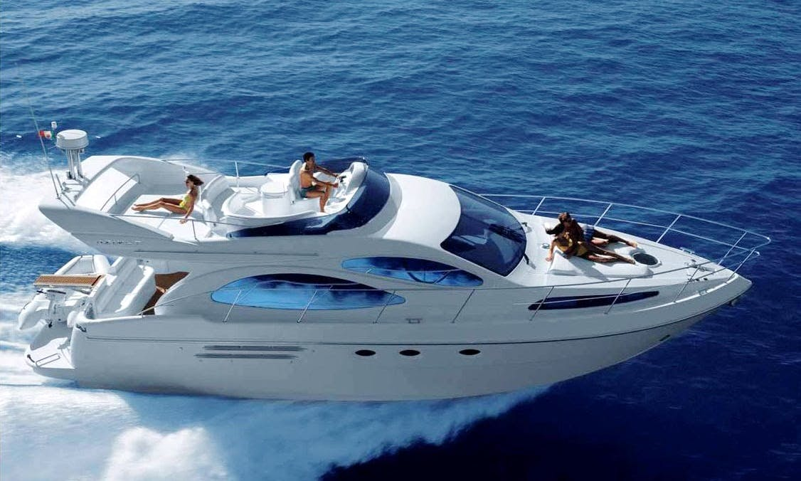 Private Luxury  Motor Yacht Tour for Sightseeing in Barcelona