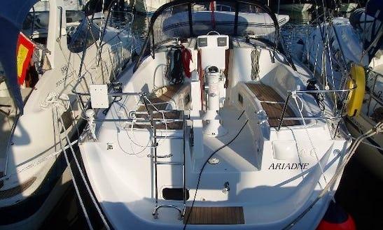 Enjoy Pireas, Greece Aboard Ariadne Oceanis 343 Cruising Monohull