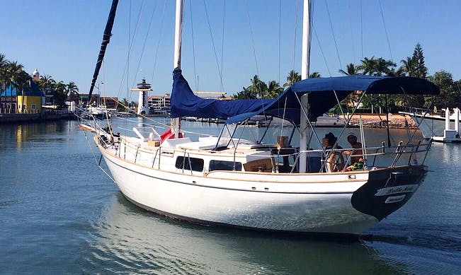 Ketch 40 Cruising Monohull Sailboat in Puerto Vallarta, Mexico