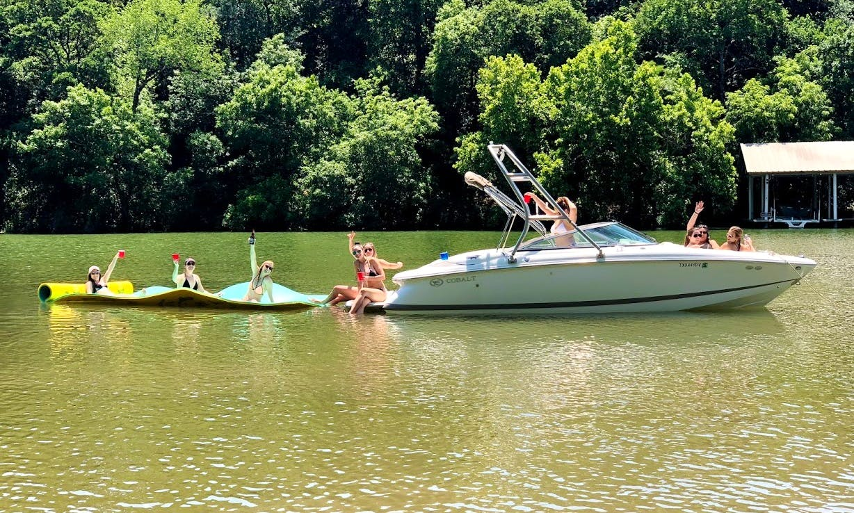 Cobalt (Cadillac) Bowrider Boat Rental on Lake Austin