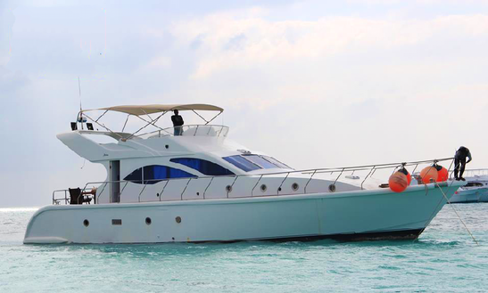 9 Persons Motor Yacht For Charter In Red Sea Governorate, Egypt