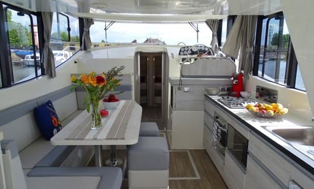 The Little Midi Cruise aboard a 10 Person Motor Yacht in Canal Du Midi, France