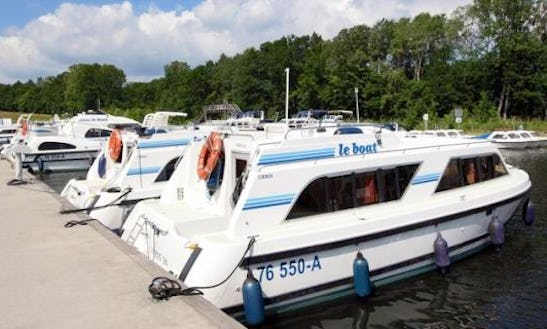 Private Boat Cruise With Overnight Accommodation For 4 Person In Camargue, France