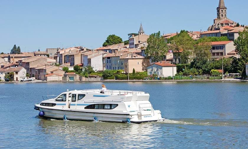 """Enjoy a Majestic Cruise on a 47ft """"Magnifique"""" Canal Boat"""